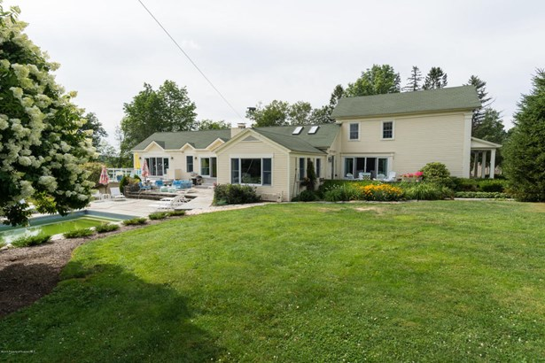 Colonial, Single Family - North Abington Twp, PA (photo 2)