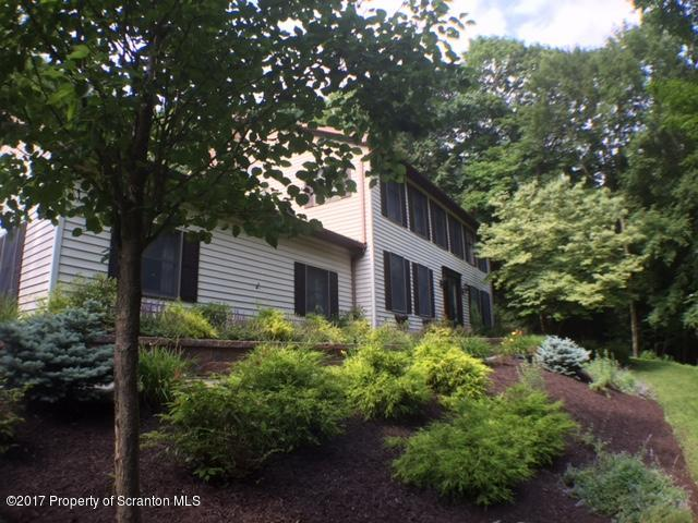 Colonial, Single Family - Clarks Summit, PA (photo 2)