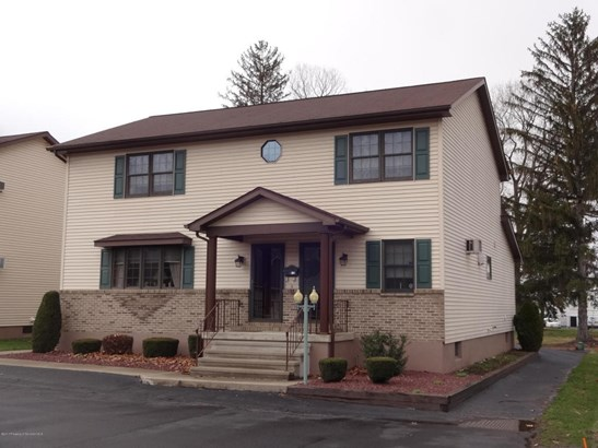 Traditional, Single Family - Moosic, PA (photo 1)