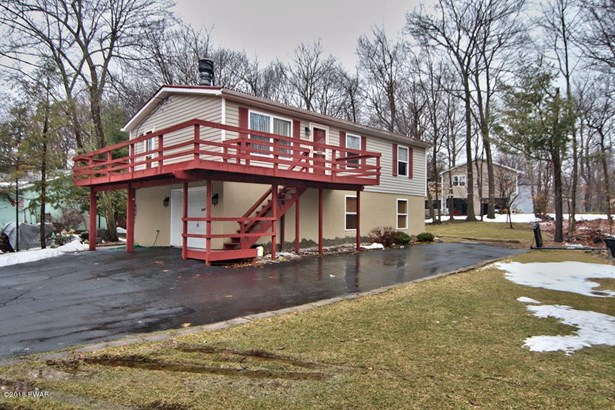 Raised Ranch, Detached - Pocono Summit, PA (photo 1)