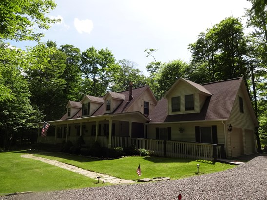 Cape Cod, Detached - Clifton Township, PA