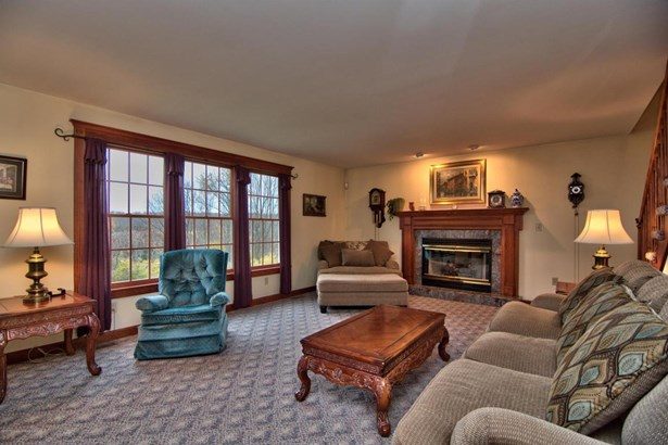 Colonial,Traditional, Single Family - North Abington Twp, PA (photo 5)