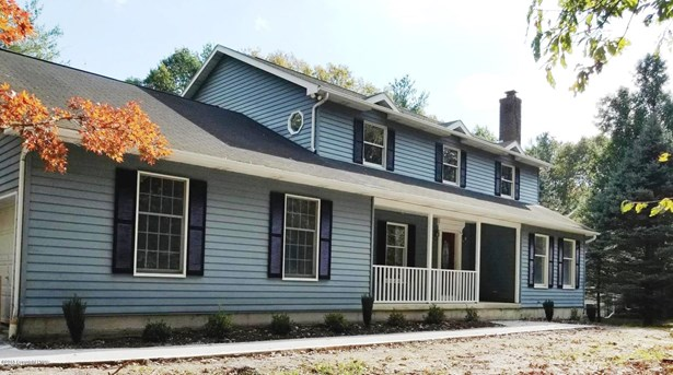 Colonial, Detached - East Stroudsburg, PA