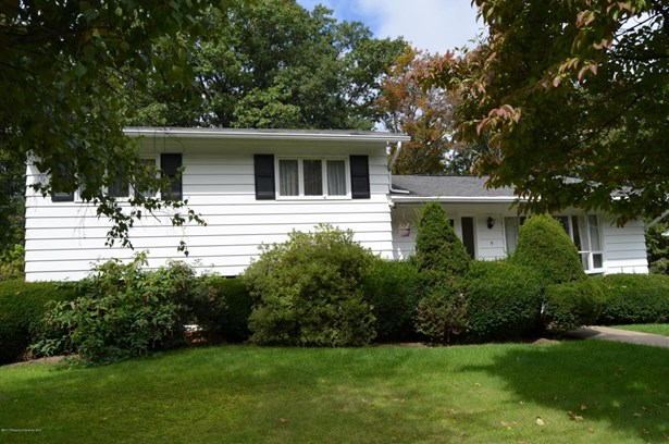 Split Level, Single Family - Scranton, PA (photo 2)