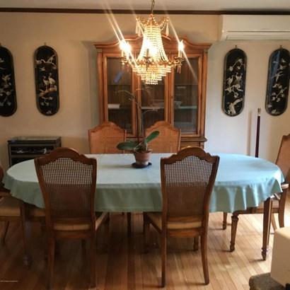 Tudor, Single Family - Moosic, PA (photo 5)