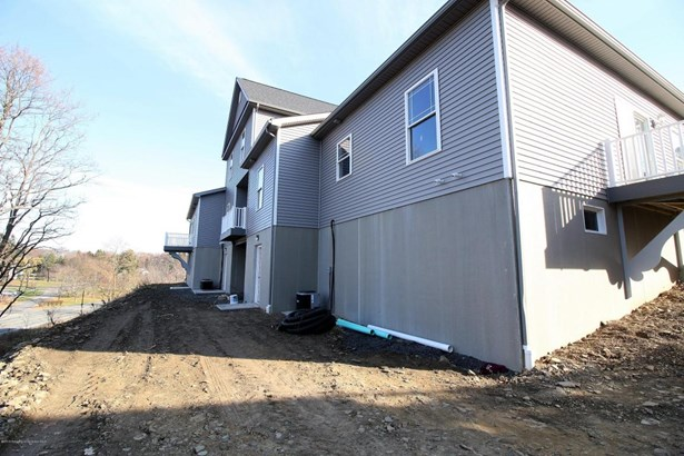 Townhouse, Contemporary - South Abington Twp, PA (photo 3)