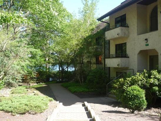Condominium, Contemporary - Lake Harmony, PA (photo 1)