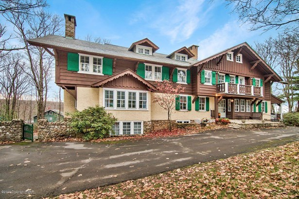 Chalet, Detached - Pocono Manor, PA
