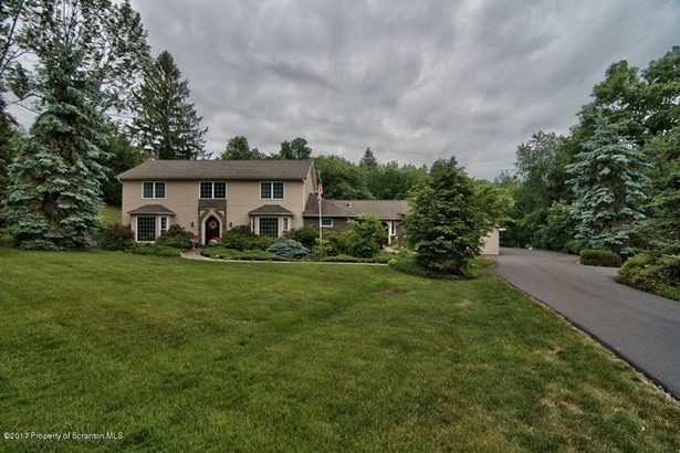 Traditional, Single Family - Clarks Summit, PA (photo 4)