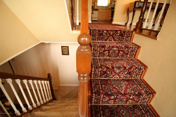 Bi-Level, Single Family - Dunmore, PA (photo 5)