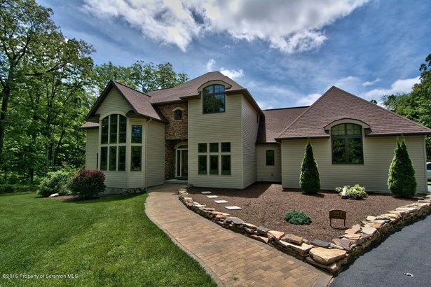 Contemporary, Single Family - Roaring Brook Twp, PA (photo 2)