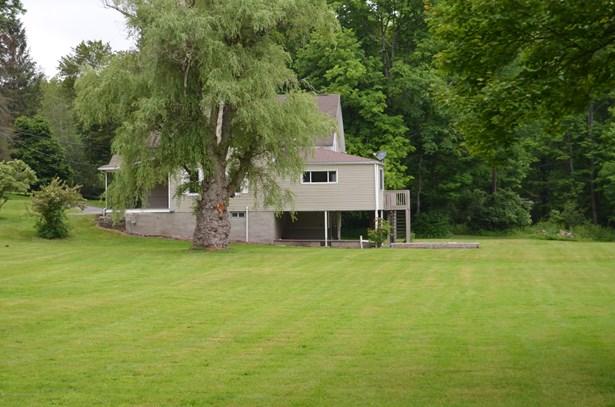 Farm House, Single Family - Dalton, PA (photo 4)