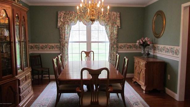 Colonial, Single Family - Tunkhannock, PA (photo 4)