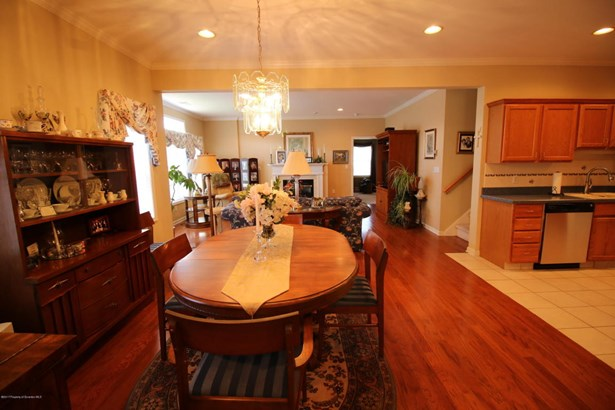 Townhouse, Traditional - Clarks Summit, PA (photo 4)
