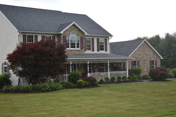 Traditional, Single Family - Dalton, PA (photo 3)