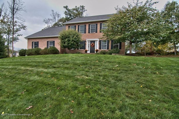 Colonial, Single Family - Clarks Summit, PA (photo 4)