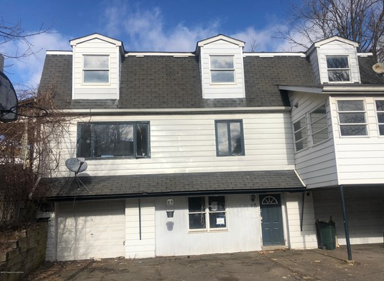 Traditional, Single Family - Carbondale, PA