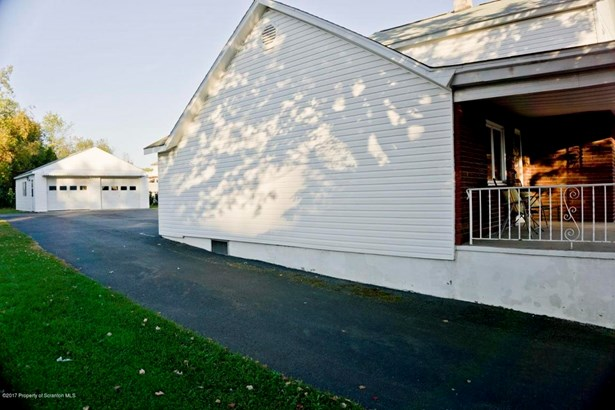 Traditional, Single Family - Jessup, PA (photo 3)