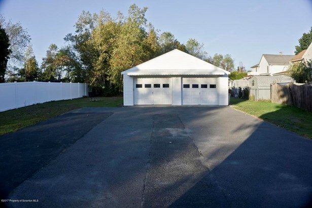 Traditional, Single Family - Jessup, PA (photo 5)
