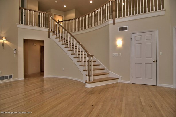 Townhouse, Traditional - Clarks Summit, PA (photo 3)