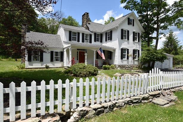 Farm House,Traditional, Detached - Buck Hill Falls, PA