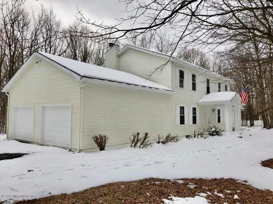 Colonial, Detached - Effort, PA (photo 3)