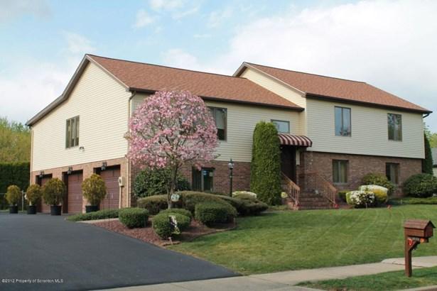 Split Level, Single Family - Wilkes-Barre, PA (photo 3)