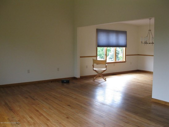 Split Level, Single Family - Wilkes-Barre, PA (photo 5)