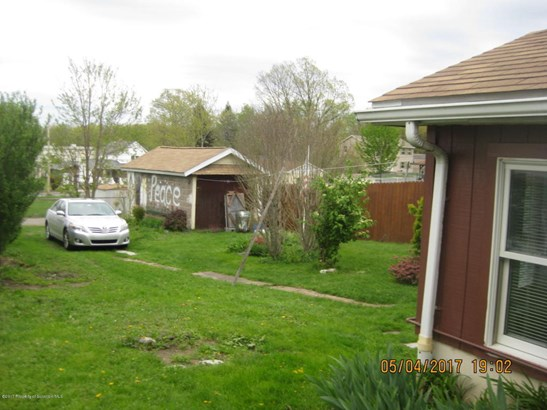 Raised Ranch, Single Family - Throop, PA (photo 5)