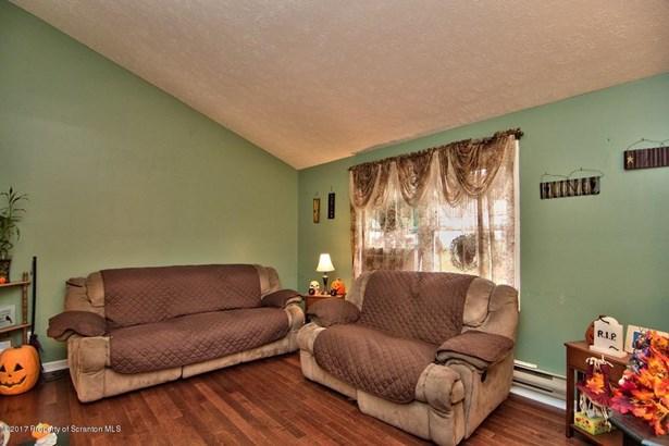 Bi-Level, Single Family - Olyphant, PA (photo 2)