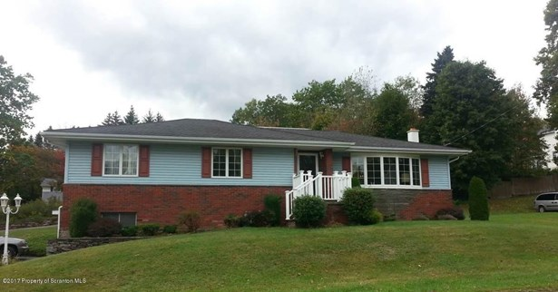 Raised Ranch, Single Family - Carbondale, PA (photo 2)
