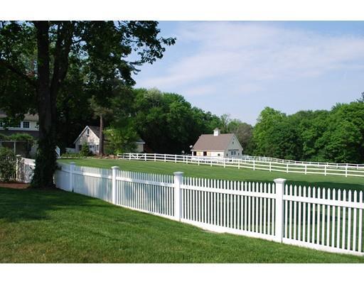 35 Farm St., Medfield, MA - USA (photo 2)