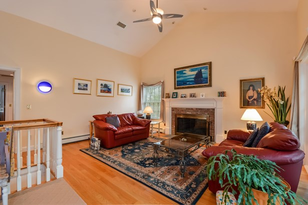12 Redgate Lane, Falmouth, MA - USA (photo 4)