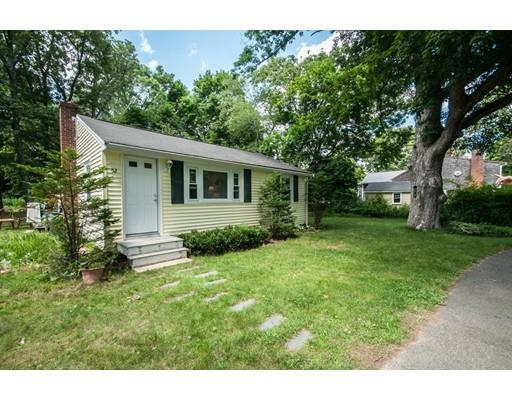 52 Cottage Street, East Bridgewater, MA - USA (photo 2)