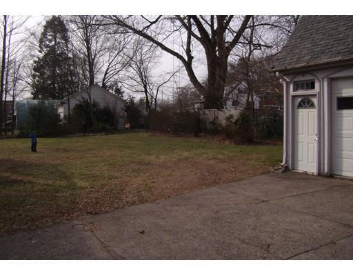 741 Newport Ave, Attleboro, MA - USA (photo 4)