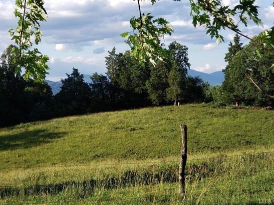 Farm - Moneta, VA