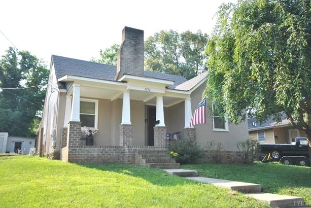 Cape Cod, Single Family Residence - Lynchburg, VA