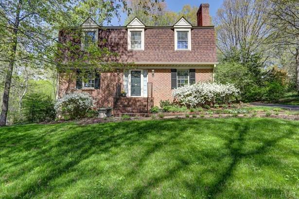 Dutch Colonial, Single Family Residence - Lynchburg, VA