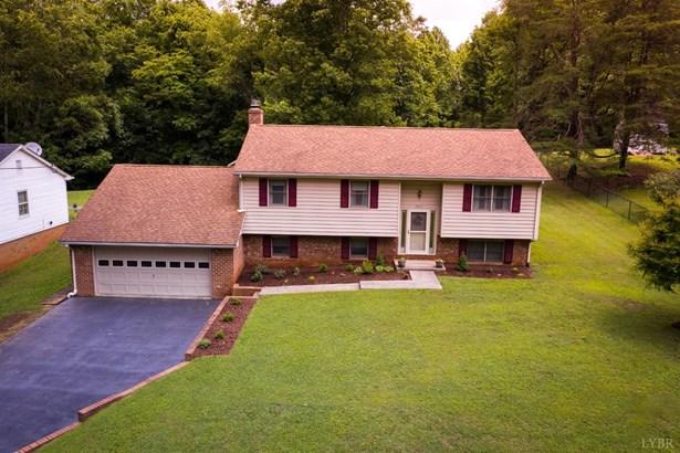 Single Family Residence, Split Foyer - Lynchburg, VA