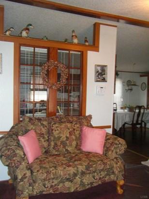 Single Family Residence, Doublewide - Gretna, VA (photo 4)