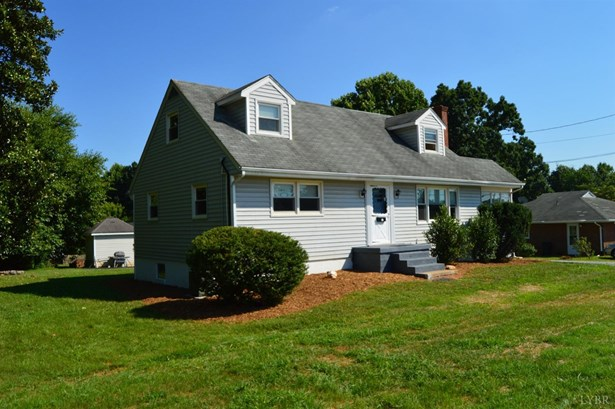 Cape Cod, Single Family Residence - Lynchburg, VA (photo 1)