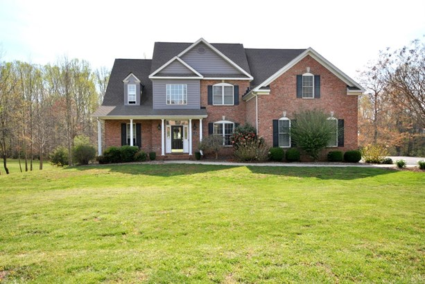 Single Family Residence, Two Story - Forest, VA