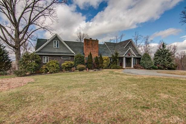 Single Family Residence, Contemporary - Goode, VA (photo 3)