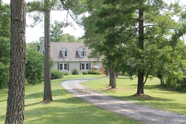 Cape Cod, Single Family Residence - Bedford, VA (photo 2)
