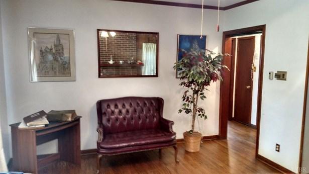 Single Family Residence, Bungalow - Madison Heights, VA (photo 3)