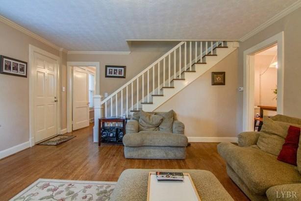 Cape Cod, Single Family Residence - Altavista, VA (photo 4)