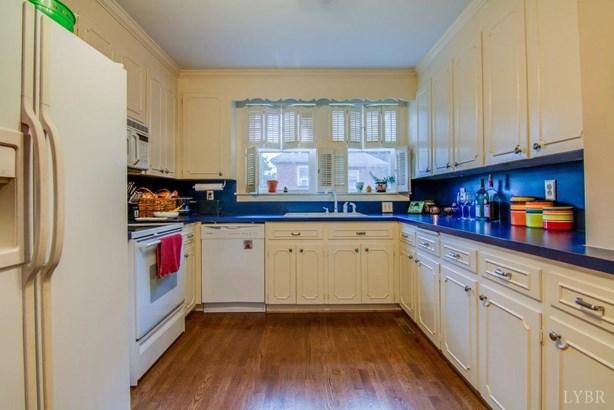 Cape Cod, Single Family Residence - Altavista, VA (photo 5)