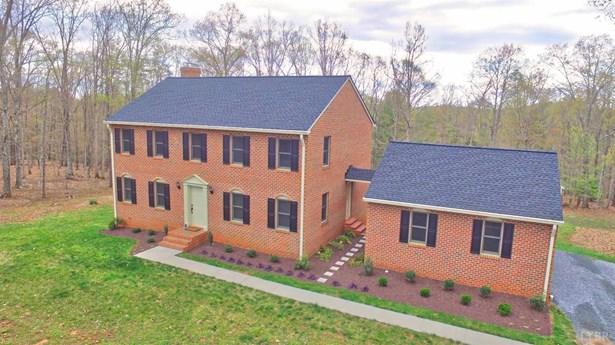 Single Family Residence, Two Story - Monroe, VA (photo 1)