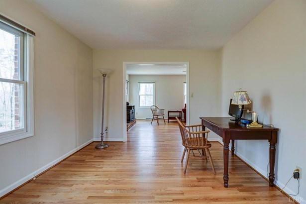 Single Family Residence, Two Story - Monroe, VA (photo 5)
