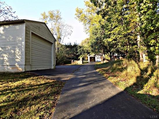 Split Level, Single Family Residence - Chatham, VA (photo 4)